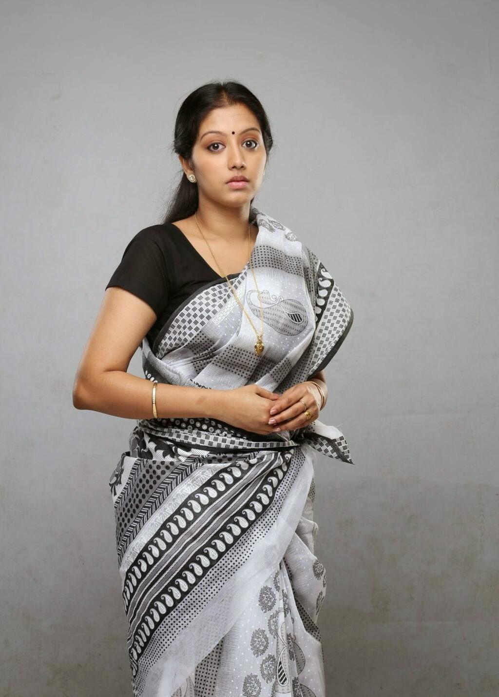 Actress Gopika Photo In White Saree