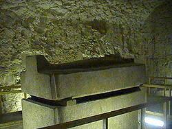 Gigantesco Sarcófago de Serapeum em Saqqara no Egito