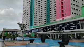 fasilitas apartemen green pramuka city kolam renang