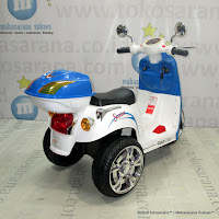 Junior TR1401 Ready 2 Go Rechargeable-battery Operated Toy Car