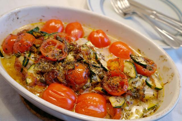 torsk med tomater och örter