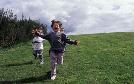 Mengatasi Anak yang Hiperaktif / Autis