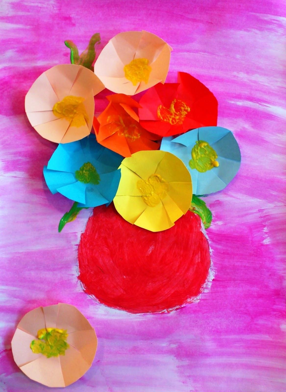 Vas cu flori de toamnă
