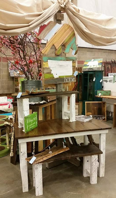 farmhouse table, barnwood, stain, white oak, chestnut, show, vintage, display, http://bec4-beyondthepicketfence.blogspot.com/2016/04/barn-door-hall-tree.html