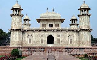 Itmad-Ud-Daulah's-Tomb Agra Travel Big India