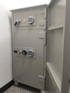 兩層式密碼鎖保險箱、保險櫃