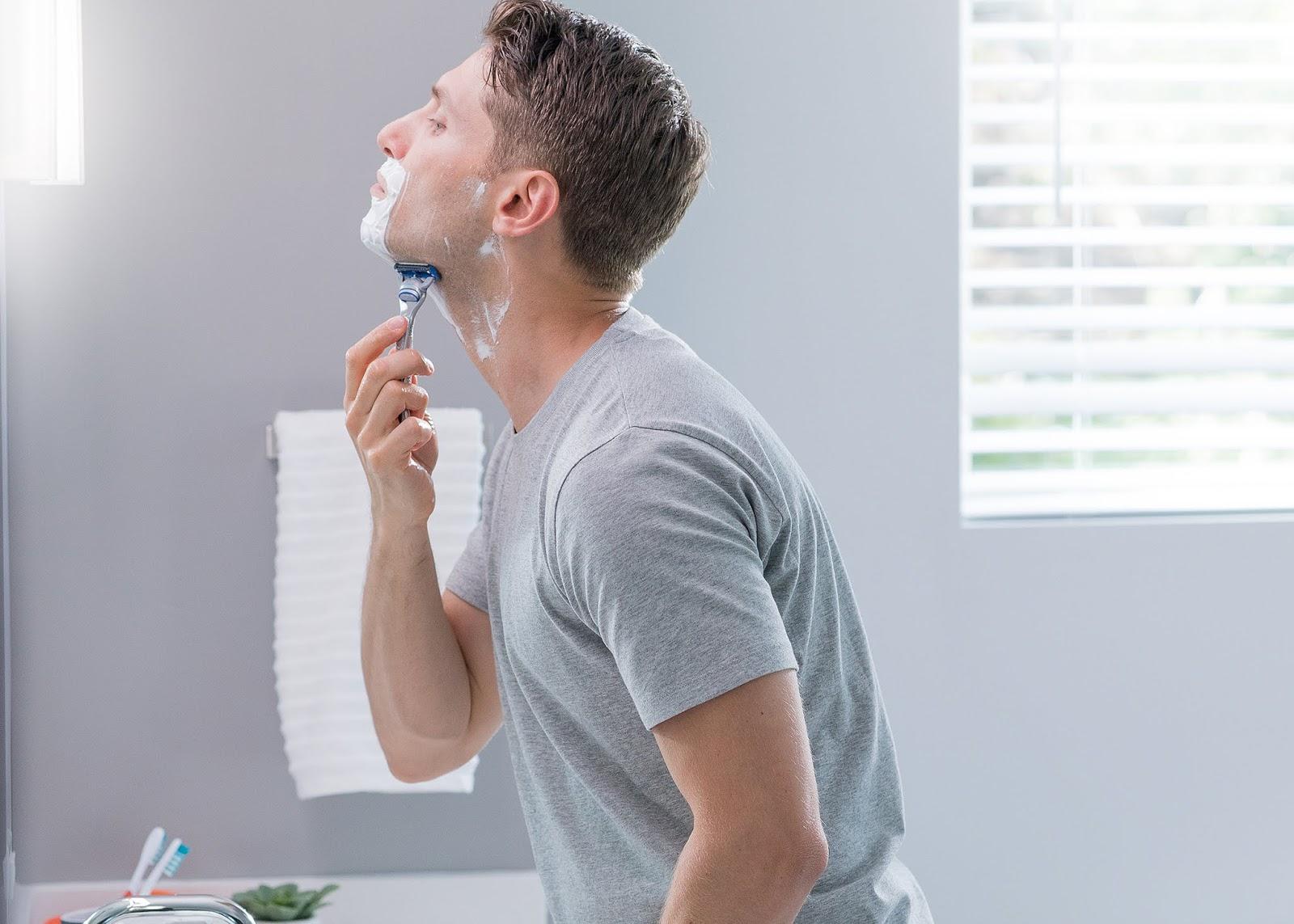 How To: Rasieren bei Empfindlicher Haut mit Gillette Skinguard™ Sensitive | Werbung