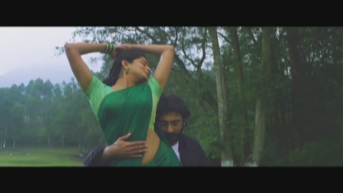 Priyamani latest hot navel show in saree from Malayalam ...