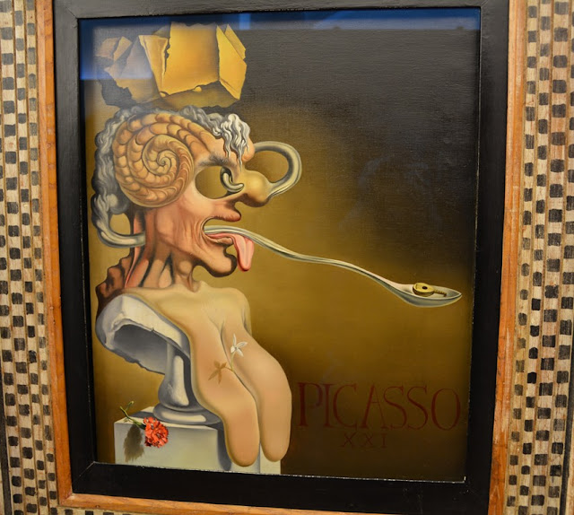 Teatre Museum Dali Art Figueres tongue