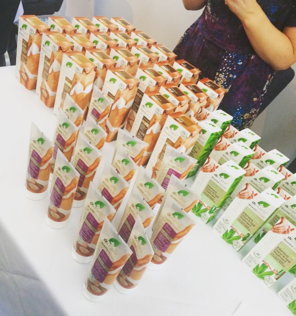 dr organic, holland and barrett, natural beauty, the good life