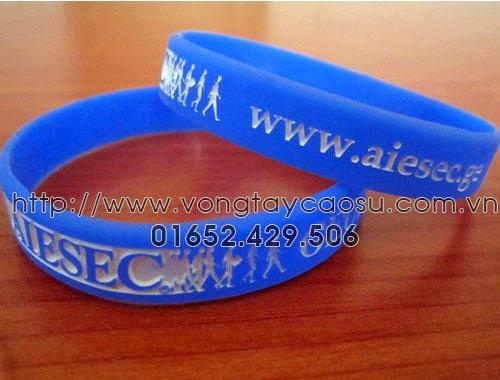 Vòng tay dập chìm AIESEC