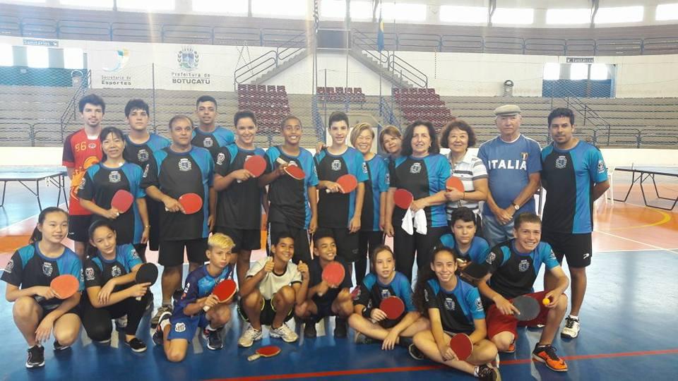 """... Avaré e Lençóis Paulista disputaram no ginásio municipal """"Mário Covas"""" 85f6eb0bb0861"""