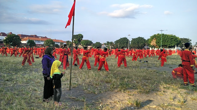 Milad Tapak Suci Alun-alun utara yogyakarta