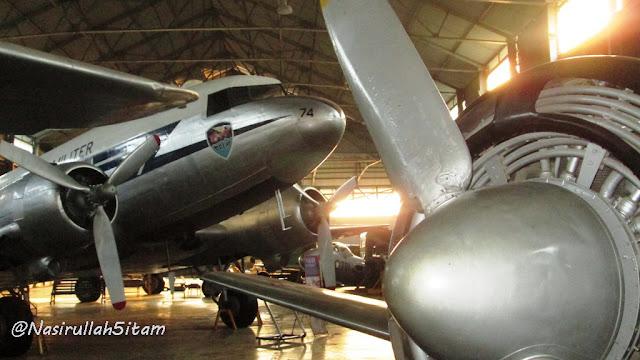 Pesawat di ruang Alutsista Museum Dirgantara, Yogyakarta