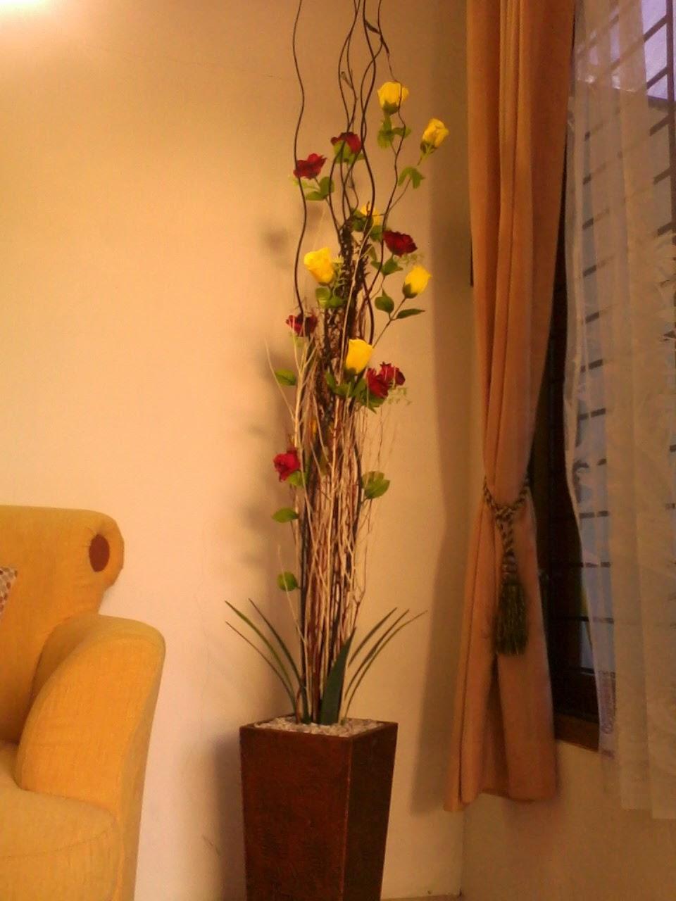 Ranting Inul Bunga Mawar Merah Kuning Sebagai Penghias Sudut Ruang Tamu Detil Produk Bisa Klik Di Sini