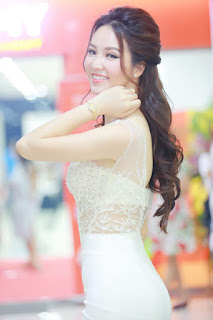 Gái xinh facebook Mc Á hậu Thụy Vân