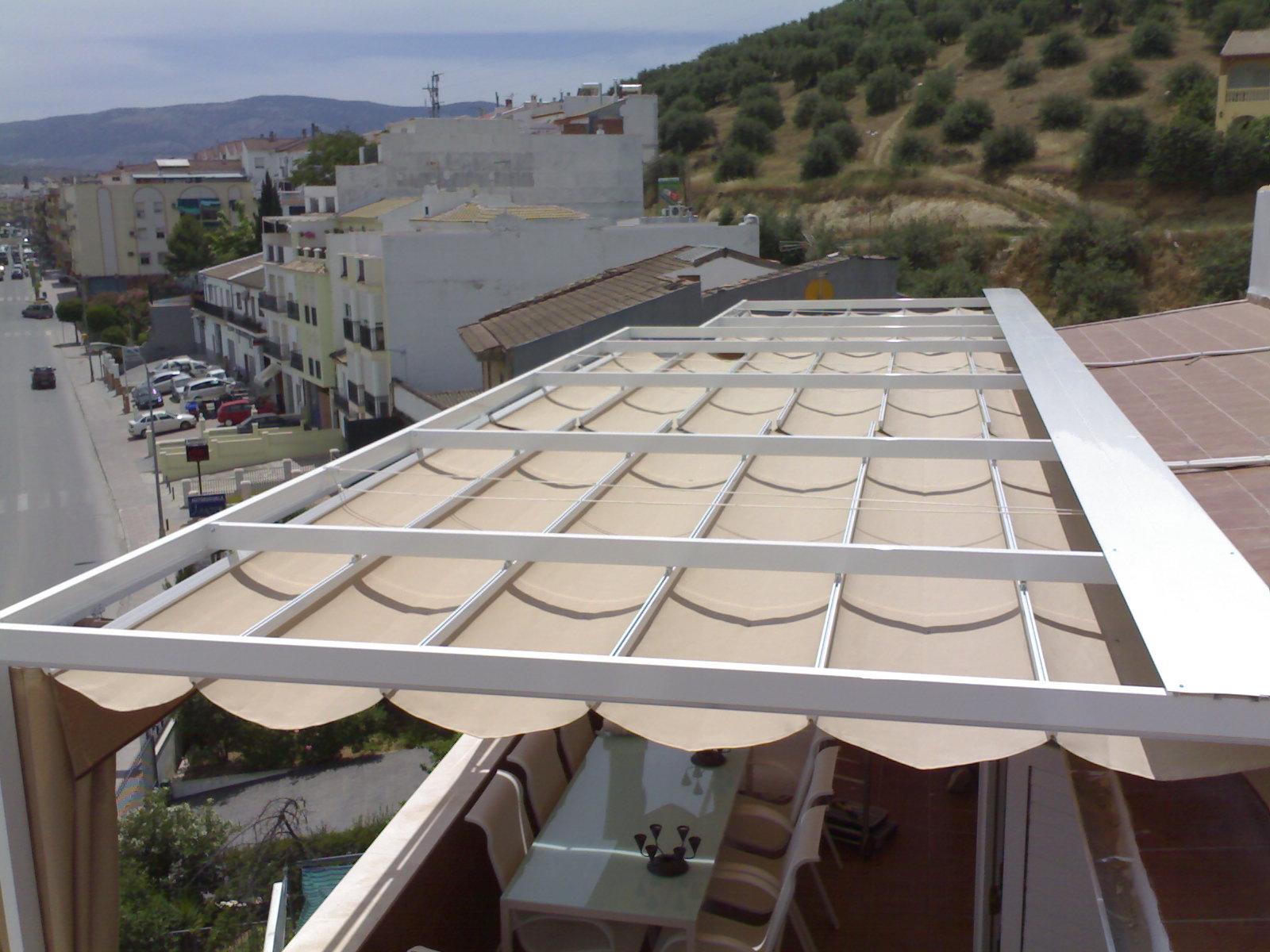 Pérgolas para jardines y terrazas con toldos en Tarragona - Toldos ...
