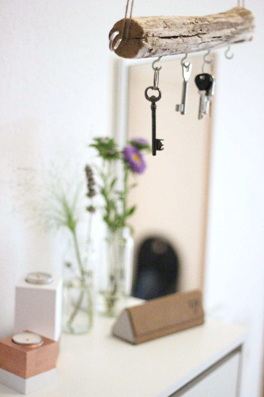 fair fashion interior design diy schl sselbrett aus treibholz selber machen. Black Bedroom Furniture Sets. Home Design Ideas