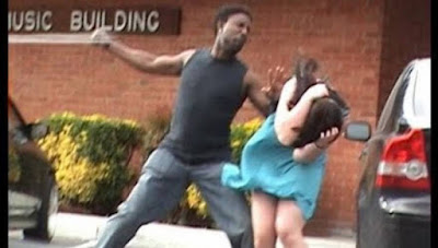 ΔΕΙΤΕ τι συνέβη όταν πήγε να σηκώσει χέρι στην κοπέλα του! (BINTEO)