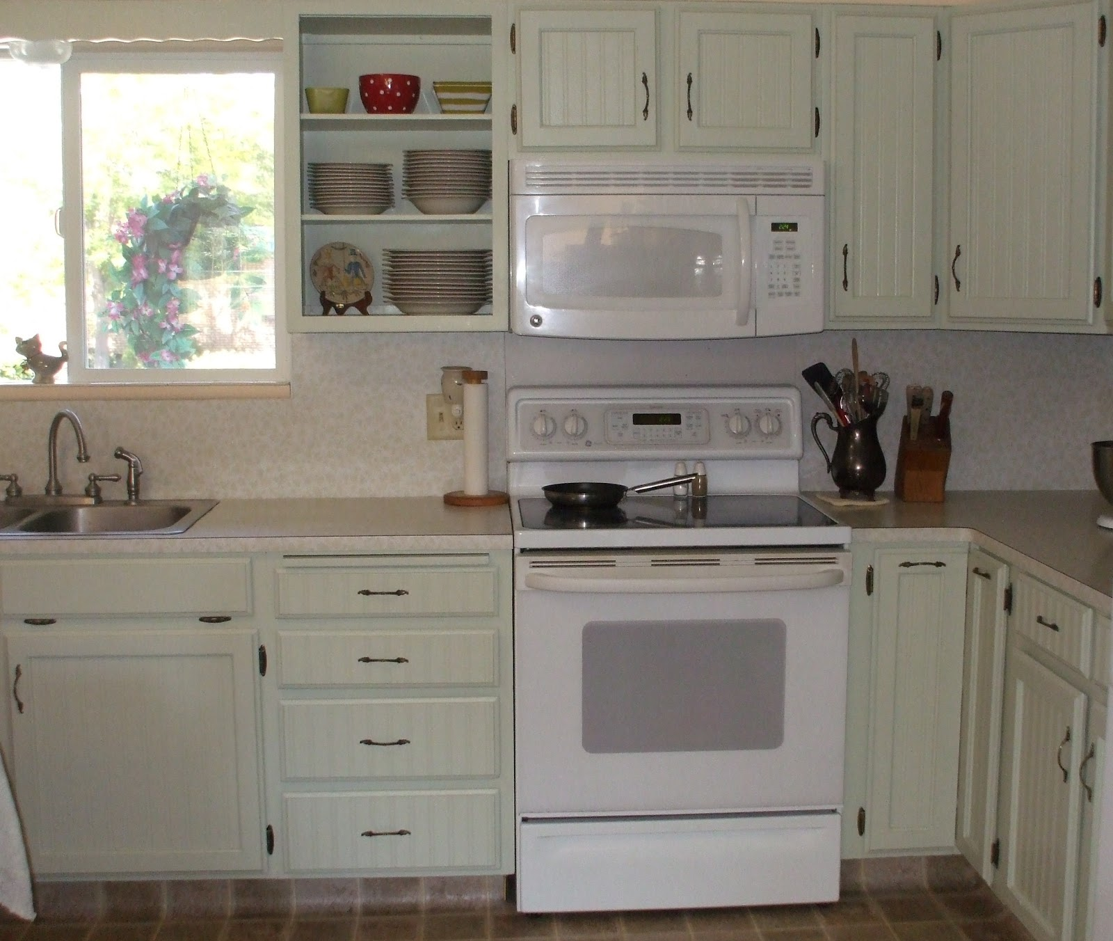Beaded Kitchen Cabinets: About Me, And Other Things.: Bead Board Cabinets