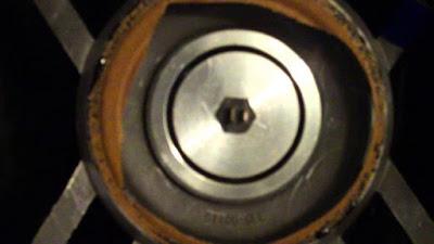 Cara membersihkan Lubang magnet speaker dari Debu