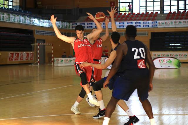Partido Euskadi-Francia en el torneo Ciudad de Barakaldo masculino sub20