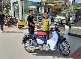Pelanggan Ini Yang Pertama Mendapatkan Honda Super Cub C 125