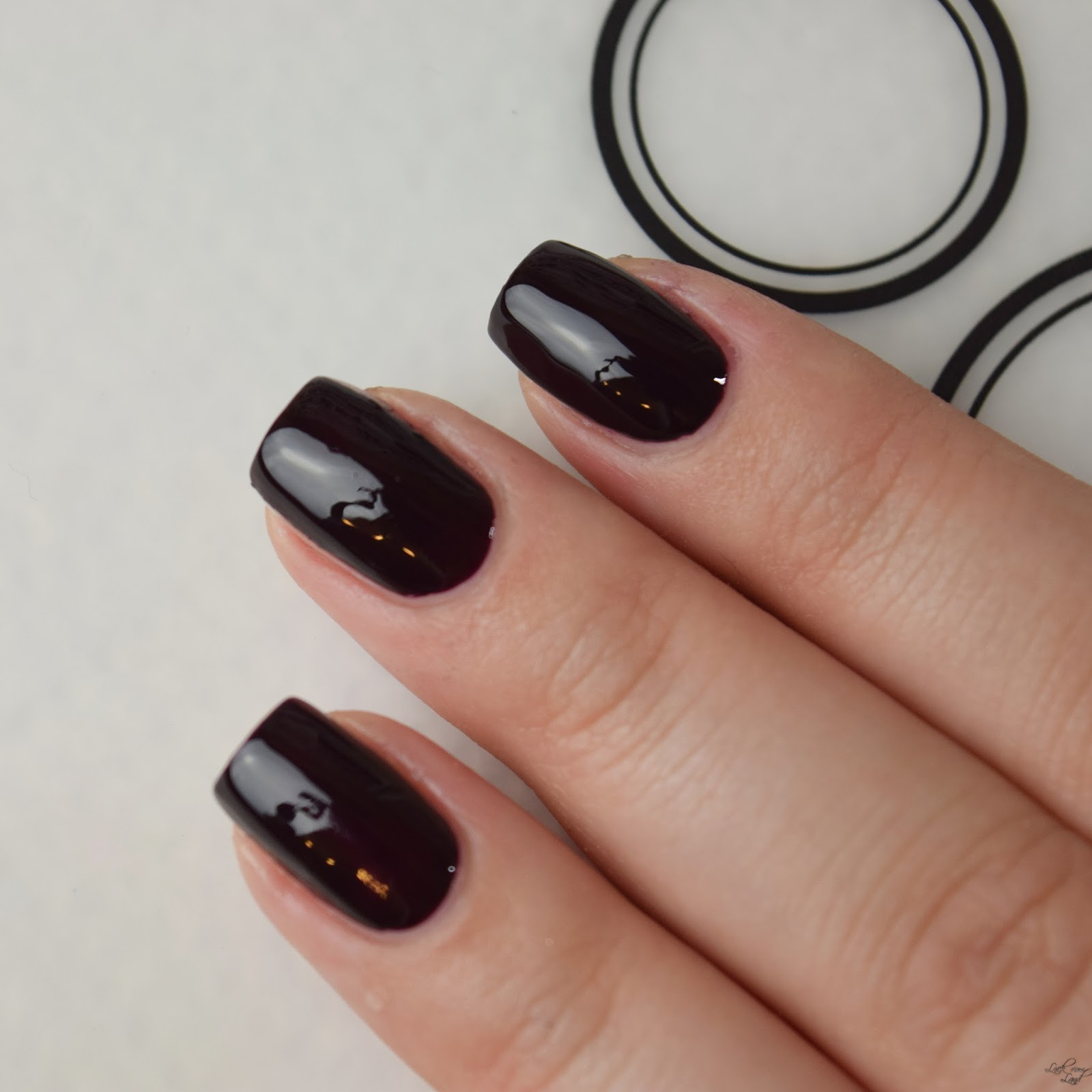 Tutorial] Wie man seine Nägel schmaler oder länger erscheinen lässt ...