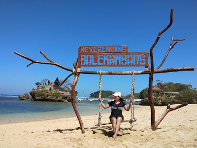 spot foto pantai balekambang
