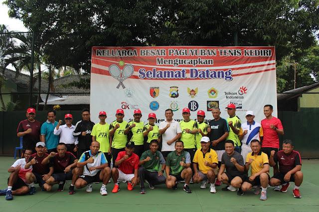 Kompak, TNI Polri Olahraga Tenis Bersama Danrem 082/CPYJ