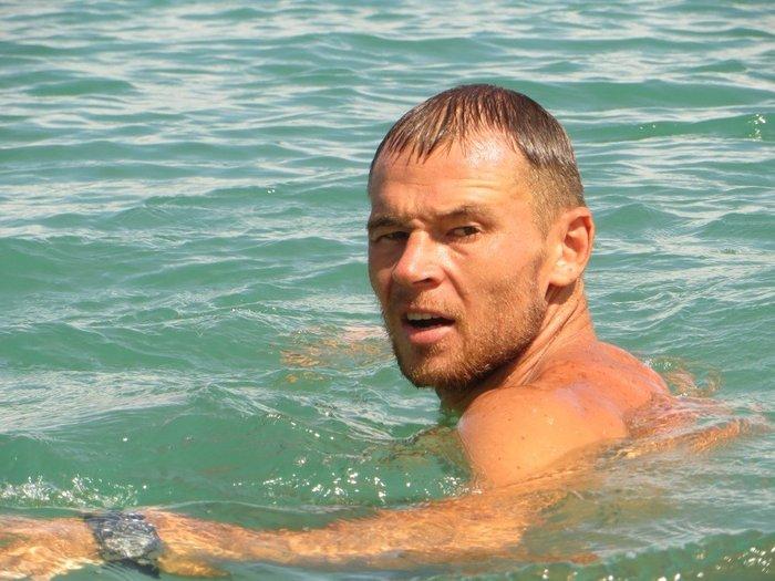 Парень в воде