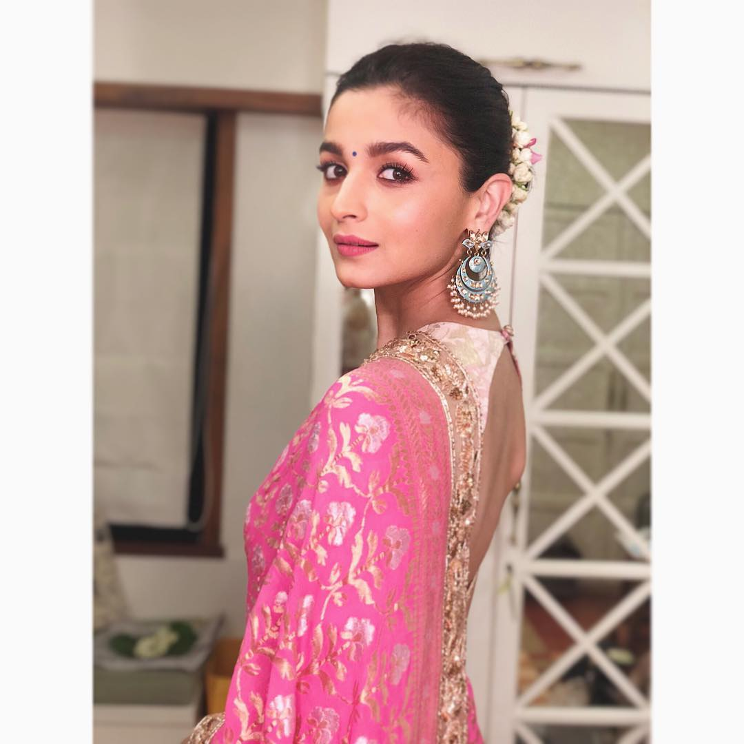 Alia Bhatt Photos | Alia Bhatt Hot Photos - HD Actress Photo