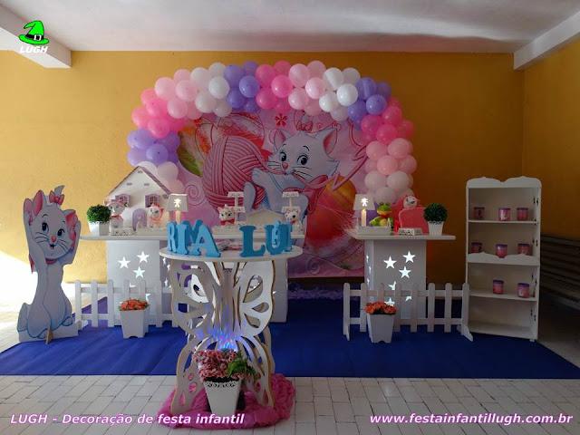 Festa infantil com o tema da Gata Marie - Decoração provençal simples