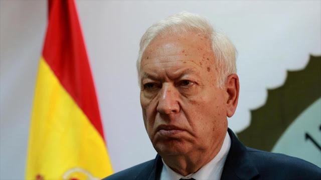 """Margallo advierte a Rivera: Constitución prohíbe al rey """"boarbonear"""""""