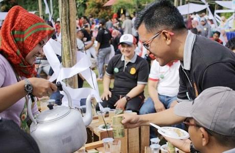 Ratusan Masyarakat Serbu Festival Kuliner Khas Payakumbuh