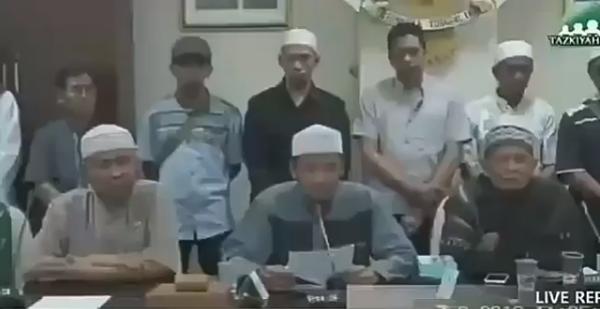 Perwakilan Gabungan Ormas Islam Sumbar Menuntut Jokowi Mundur