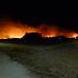 Un incendio calcina 70 hectáreas del parque natural de las dunas de Corrubedo (A Coruña)