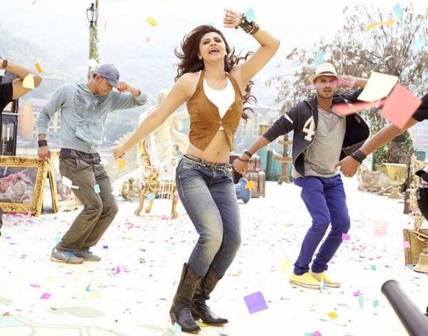 Daisy Shah dancing crazy in Jai Ho