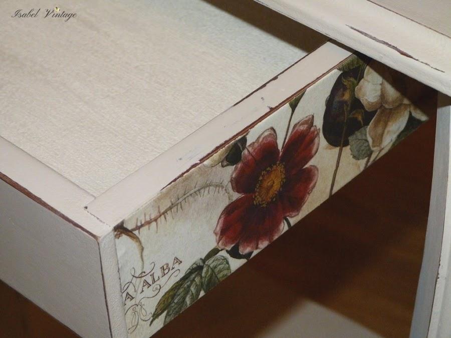 mesa-auxiliar-cajon-papel