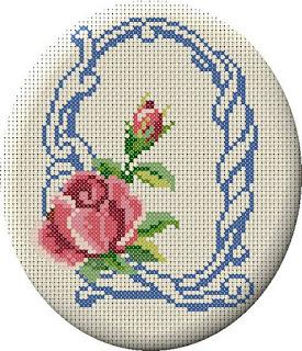 Alfabeto Monograma Com Rosas e Arabescos Em Ponto Cruz 40