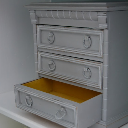 Thrift Store Jewelry Chest Makeover