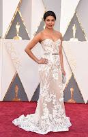 Priyanka Chopra 2016 Oscars  07.jpg