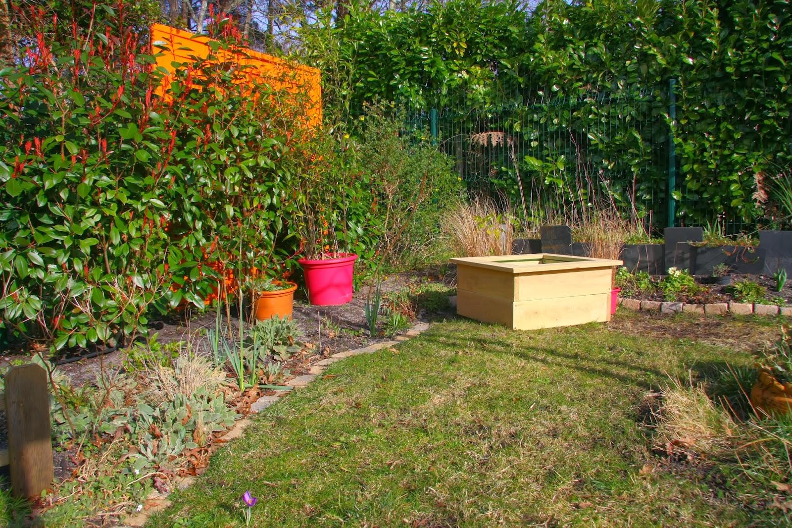 le coin du carr le coin d co de jardin et maison. Black Bedroom Furniture Sets. Home Design Ideas