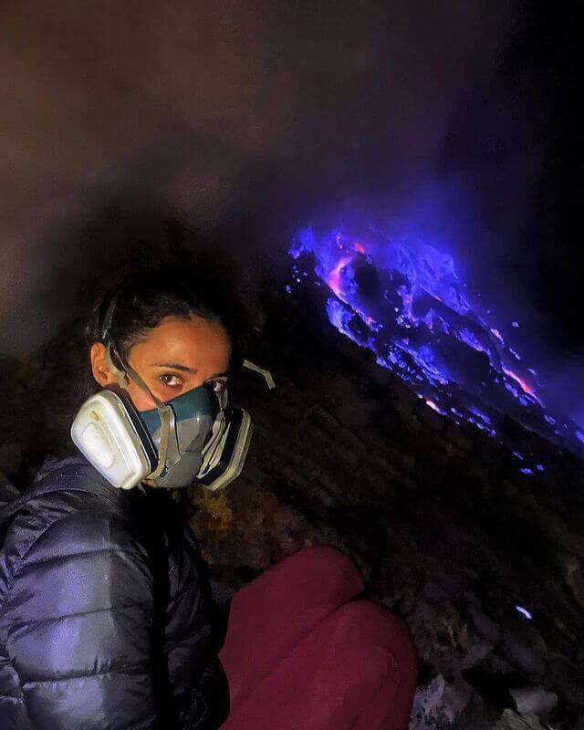Blue fire Kawah Ijen Banyuwangi - foto instagram claudiarayagarcia