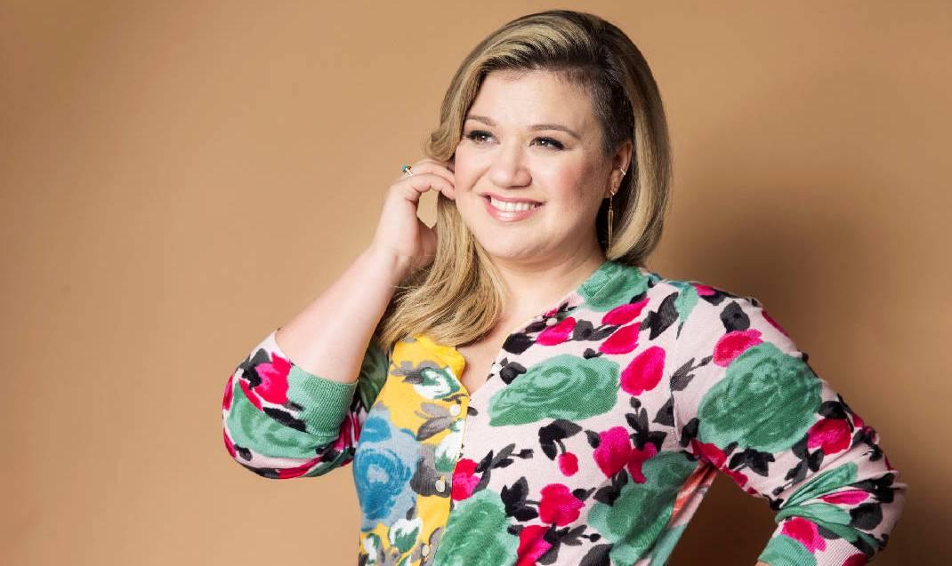 Kelly Clarkson estaría lanzando su nuevo álbum en Junio
