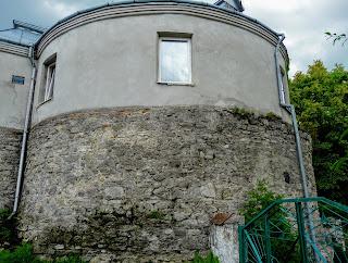 Жовква. Вул. Василіанська. Будинок-вежа