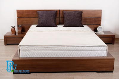 model dipan kayu jati kasur minimalis terbaru