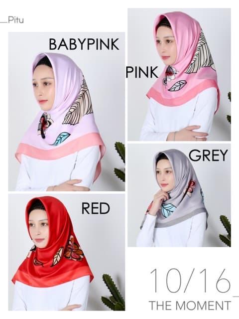Jilbab Segi Empat Motif Bunga Cantik Velvet Maxmara Satin Warna Merah Soft