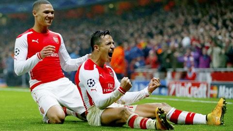 Khoảnh khắc ăn mừng bàn thắng của Sanchez