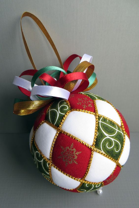 bola navidad hecha de tela